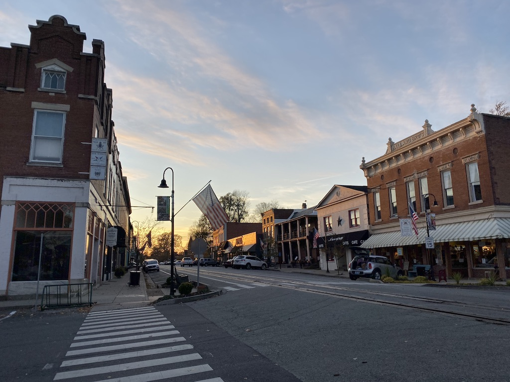 A Look At Our Hometown La Grange Ky Seek Discover Learn